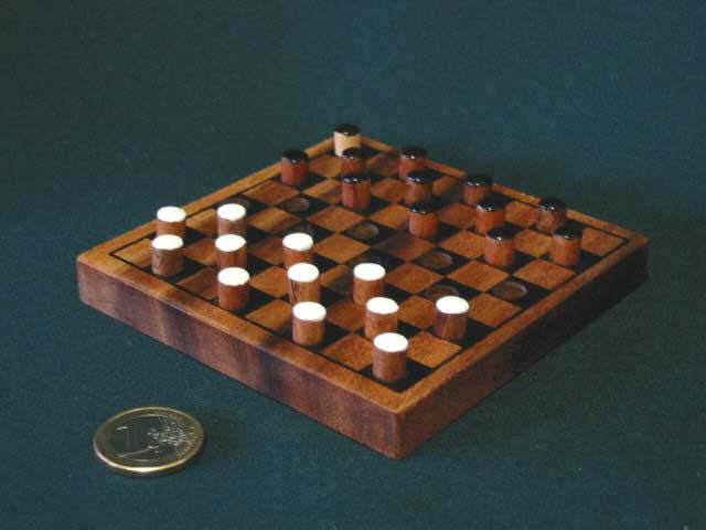 Draughts/checkers